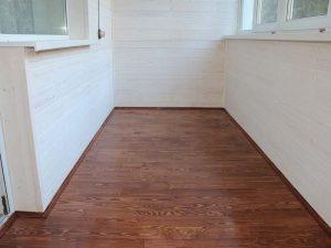 ламинат на балконе напольные покрытия
